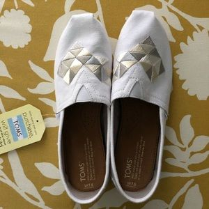Toms White & Gold Geometric Embroidered Classics